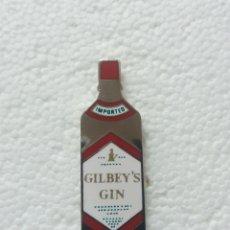 Pins de colección: RARO Y ESCASO PIN GIN GILBEY'S IMPORTACIÓN. Lote 219269486