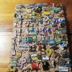 Pins de colección: GRAN LOTE DE PINS. Lote 220236863