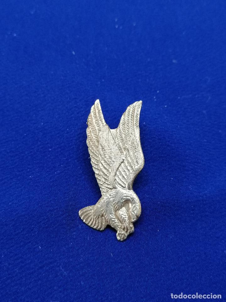 PIN AGUILA (Coleccionismo - Pins)