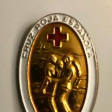 Pins de colección: INSIGNIA AGUJA SOCORRISTA CRUZ ROJA. Lote 221742043