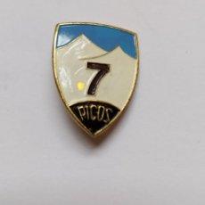 Pins de colección: ANTIGUO Y PRECIOSO PIN INSIGNIA DE ESQUI SKI - 7 PICOS - SIERRA DE GUADARRAMA - CERCEDILLA -. Lote 221805355