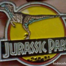 Pins de colección: JURASSIC PARK PIN PINCHO PINTVRA LACADA 3 CMS LARGO DINOSAURIOS. Lote 221822928