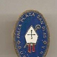 Pins de colección: FALLAS DE VALENCIA. BURRIANA: ANTIGUA INSIGNIA ESMALTADA DE LA FALLA PLAZA SAN BLAS. Lote 221944737