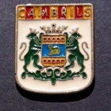 Pins de colección: PIN - CAMBRILS - ESCUDO HERALDICO - METAL - PERFIL DORADO - NUEVO - POCO CORRIENTE. Lote 221958516