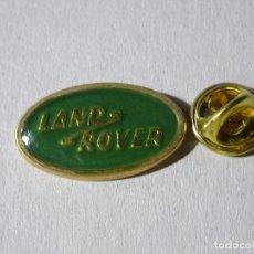 Pins de colección: PIN DE COCHES MOTOS. ESCUDO LOGO MARCA LAND ROVER. Lote 221966180