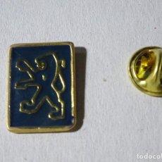Pins de colección: PIN DE COCHES MOTOS. ESCUDO LOGO MARCA PEUGEOT. Lote 221966311