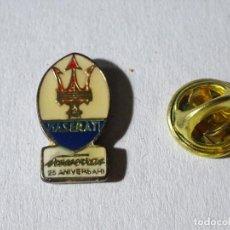 Pins de colección: PIN DE COCHES MOTOS. ESCUDO LOGO MARCA MASERATI 25 ANIVERSARIO. Lote 221966421