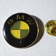 Pins de colección: PIN DE COCHES MOTOS. ESCUDO LOGO MARCA BMW. Lote 221966452
