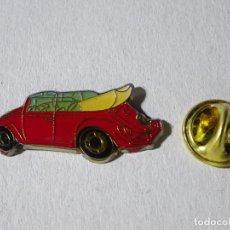 Pins de colección: PIN DE COCHES MOTOS. COCHE VOLKSWAGEN ESCARABAJO ROJO DESCAPOTABLE. Lote 221966730