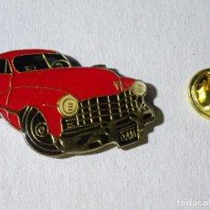 Pins de colección: PIN DE COCHES MOTOS. COCHE CLÁSICO AÑOS 50 60.. Lote 221966875