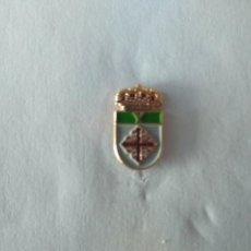 Pins de colección: PIN ESCUDO HERALDICO DE YEBRA (GUADALAJARA). Lote 222000925