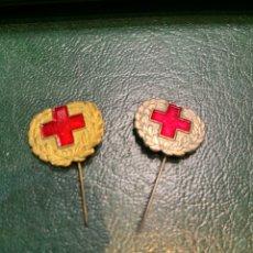 Pins de colección: PIN (2) DORADO Y PLATEADO ALFILER DE LA CRUZ ROJA. Lote 222296796