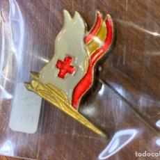 Pins de colección: PIN CRUZ ROJA (BANDERA ESPAÑA Y CRUZ ROJA). Lote 222297546