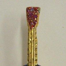 Pins de colección: PIN INSTRUMENTO MUSICAL GUITARRA. Lote 222651865