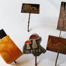 Pins de colección: 5 PINS ANTIGUOS DEL ESTE DE EUROPA LITUANIA ?. Lote 225644025
