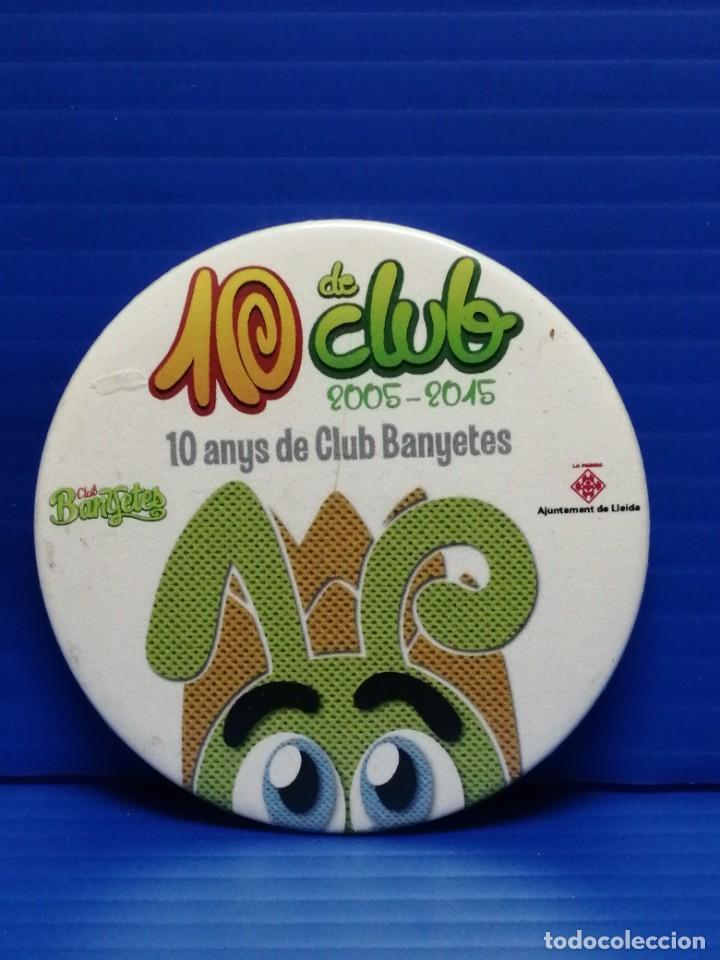 PIN CHAPA CLUB BANYETES LLEIDA (Coleccionismo - Pins)
