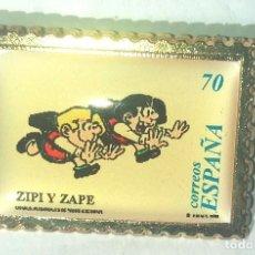 Pin's de collection: PIN DE PORCELANA REPRODUCIENDO EL SELLO DE CORREOS DE ZIPI Y ZAPE. Lote 287792513