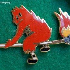 Pins de colección: INSIGNIA PIN ESMALTADO DE FALLERO FALLA PARADOR FOC 1956. Lote 226575630