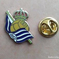 Pins de coleção: PIN FUTBOL - ESMALTE - ESCUDO EQUIPO DE FUTBOL - REAL SOCIEDAD. Lote 237874905