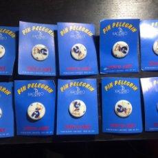 Pins de colección: LOTE DE PINES PELEGRÍN - XACOBEO GALICIA - PORCELANA LIMOGES ORO DE LEY. Lote 231397310