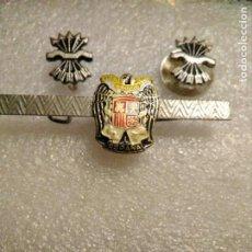 Pins de colección: PISACORBATAS PATRIÓTICO , INSIGNIAS FALANGE , AGUILA SAN JUAN. Lote 231731450