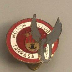 Pins de colección: ANTIGUA INSIGNIA SOLAPA MOTOR CLUB TARRASA - AUTOMOVIL - INSIGNIAS PUJOL. Lote 234802080