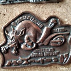 Pins de colección: PIN MEDALLA CONCENTRACION DE MOTOS - PIN MOTERO - MOTAUROS - TORDESILLAS - NO PINGUINOS. Lote 235258945