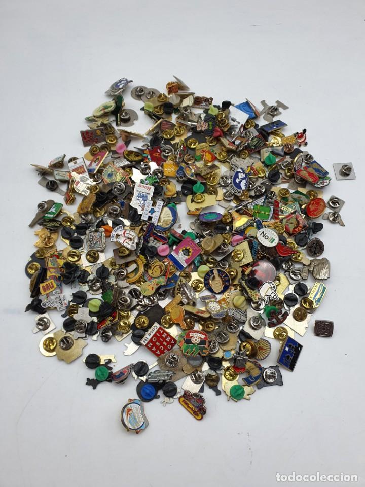 GRAN LOTE PINS VARIADOS (Coleccionismo - Pins)