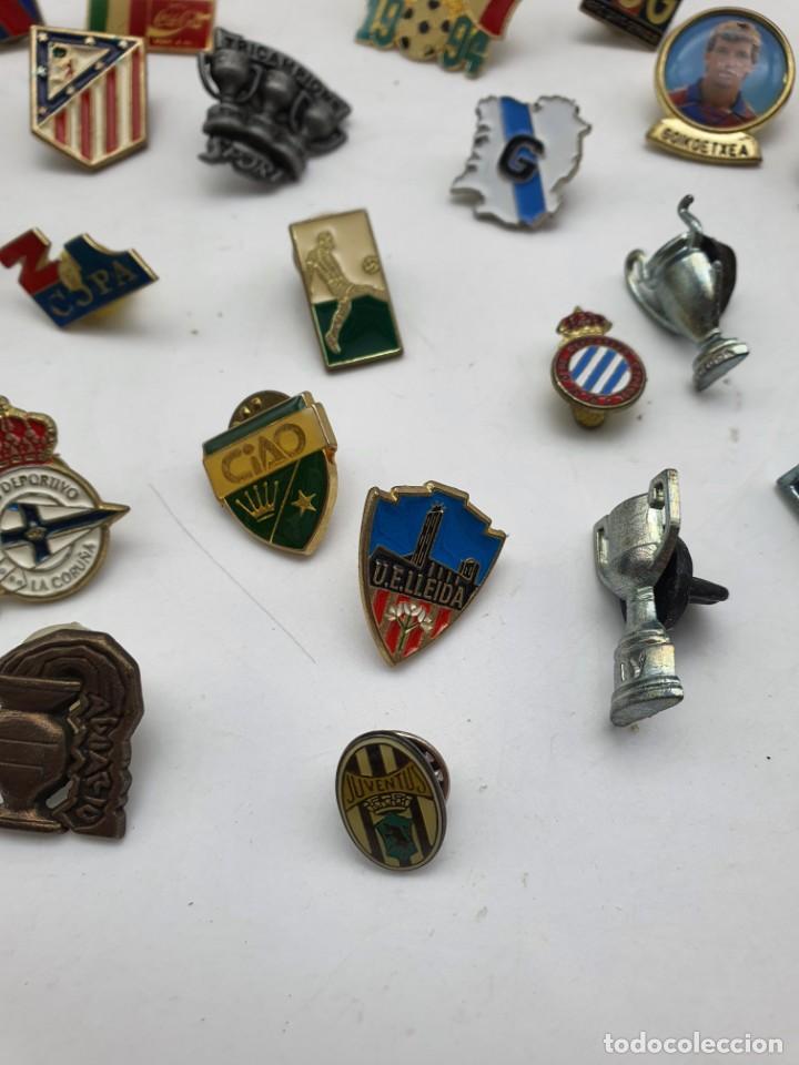 Pins de colección: LOTE PINS RELACIONADOS CON FUTBOL ( VER FOTOS ) - Foto 7 - 235461460