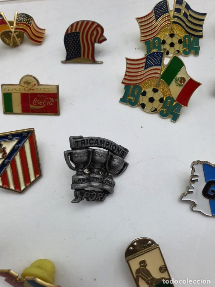 Pins de colección: LOTE PINS RELACIONADOS CON FUTBOL ( VER FOTOS ) - Foto 16 - 235461460