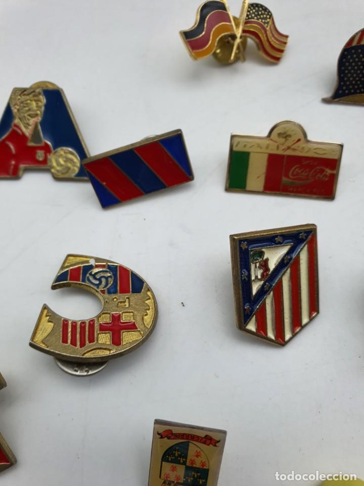 Pins de colección: LOTE PINS RELACIONADOS CON FUTBOL ( VER FOTOS ) - Foto 17 - 235461460