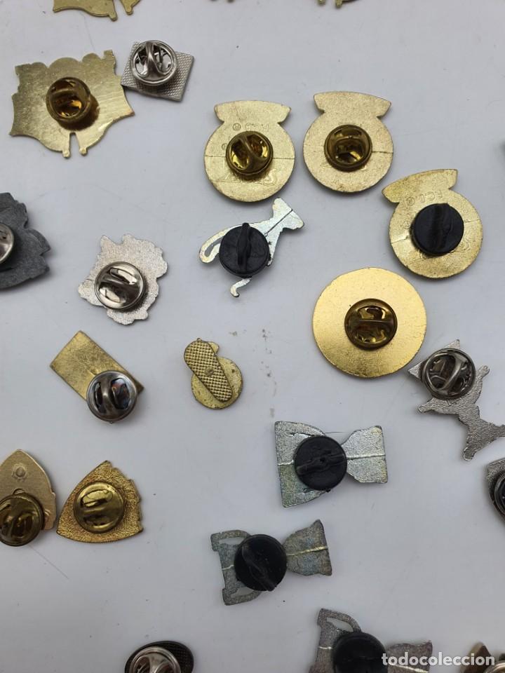 Pins de colección: LOTE PINS RELACIONADOS CON FUTBOL ( VER FOTOS ) - Foto 19 - 235461460