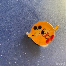 Pins de colección: PIN ANTIGUO DE MICKEY MOUSE. Lote 235515270