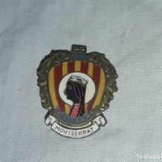 Pins de colección: ANTIGUA INSIGNIA DE VIRGEN DE MONTSERRAT. Lote 235706335
