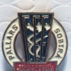 Pins de colección: PIN AGUJA ESCUELA DE ESQUÍ PORT AINE. Lote 235859890
