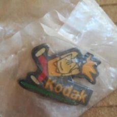 Pins de colección: PIN KODAK JUEGOS OLÍMPICOS BARCELONA. Lote 236514070