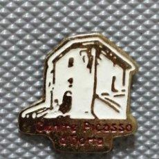 Pins de colección: PIN CENTRO PICASSO HORTA. Lote 241333525