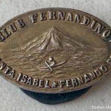 Pin's de collection: INSIGNIA DE PLATA - PIN - CLUB FERNANDINO - SANTA ISABEL - FERNANDO POO - GUINEA ECUATORIAL -AÑOS 50. Lote 242826790