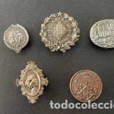 Pins de colección: LOTE DE 5 PINS - INSIGNIAS DE SOLAPA - 3 DE PLATA. Lote 243451965