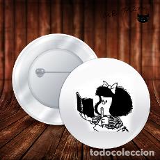 Pins de colección: MAFALDA LAPIZ CHAPA BOTON BADGE PIN IMPERDIBLE. Lote 243707500