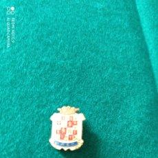 Pins de colección: JAEN INSIGNIA DE ALFILER ANTIGUA ESMALTADA. Lote 244804815