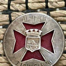Pins de colección: ANTIGUO EMBLEMA DE ALUMNO DE MEDICINA , NÚMERO 29. Lote 244823825
