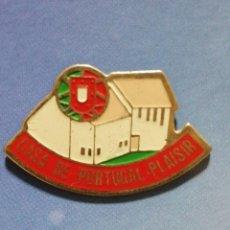 Pins de colección: PIN TURISMO CASA DE PORTUGAL PLAISIR. Lote 246196150
