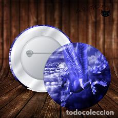Pins de colección: CHAPA BOTON ALFILER PIN PEGASO EN VUELO. Lote 246399315