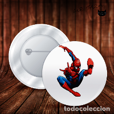 Pins de colección: SPIDERMAN EN EL AIRE CHAPA BOTON ALFILER PIN. Lote 246405145