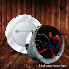 Pins de colección: SPIDERMAN EN TUBERIA CHAPA BOTON BADGE PIN IMPERDIBLE. Lote 246406345