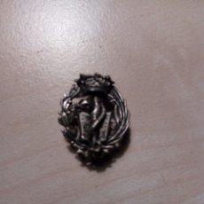 Pins de colección: INSIGNIA O PIN DE FARMCIA DE PLATA DETRAS+. Lote 246477500