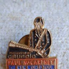 Pins de colección: PINS DE PAUL MCARTNEY, GRUNDIG.. Lote 249525260