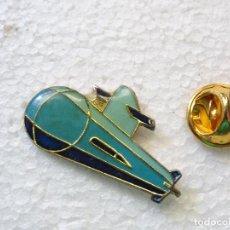 Pins de colección: PIN DE BARCOS NAVIERAS. SUBMARINO. Lote 262450515