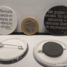 Pins de colección: CHAPA BOTON ALFILER PIN O IMAN 2 X FRASES 38MM PEPETO. Lote 262561460